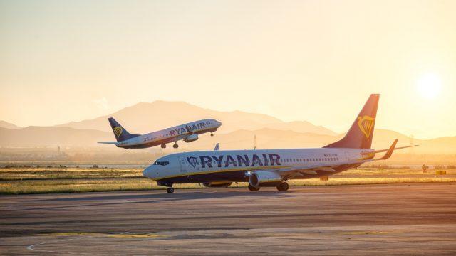 Ryanair passenger volumes up 8%