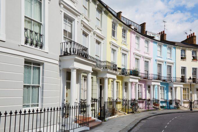 Three bedroom properties sell the quickest across UK
