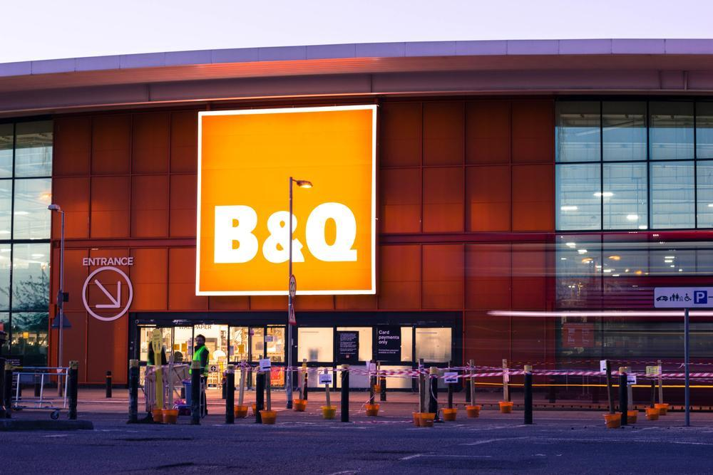 kingfisher b&q shop front